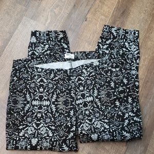Old Navy Diva Daisy blk white floral pants